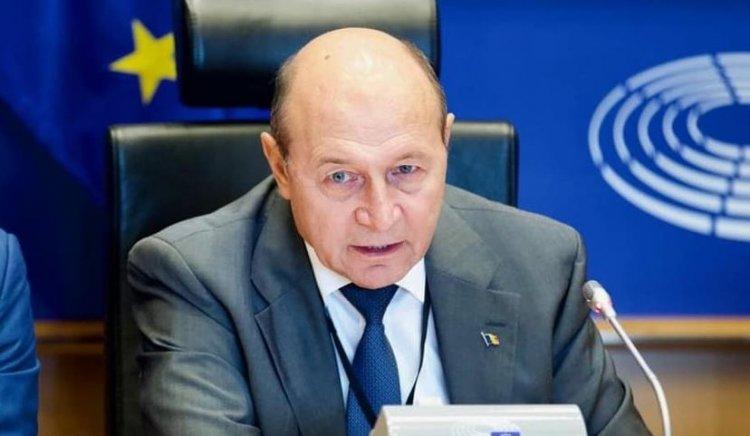 Băsescu, despre condamnarea fiicei sale: Nu a primit niciun ban. Mulţi au furat milioane și sunt bine-mersi!
