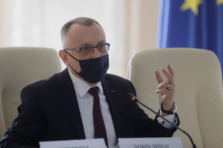 Sorin Cîmpeanu: Este nevoie de educație sexuală pentru copii, dar și de educație parentală