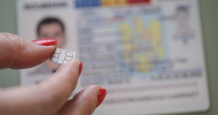 Românii fără carte de identitate electronică nu vor putea călători în străinătate