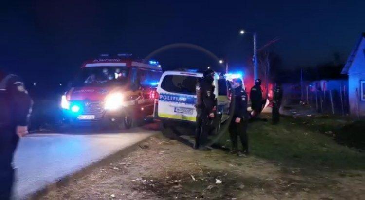 Polițiști atacați și răniți într-un conflict cu zeci de romi, în Satu Mare
