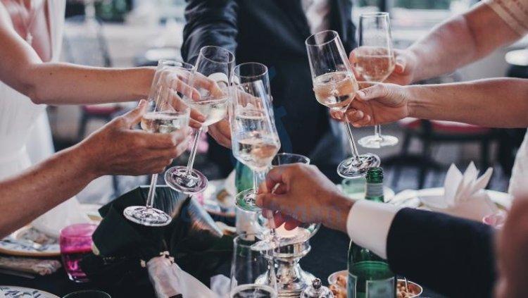 Nunțile și botezurile se pot ține până la ora 02.00 noaptea