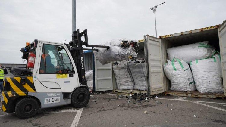 România, groapa de gunoi a Europei. Alte 15 containere cu deșeuri, descoperite în Portul Constanța