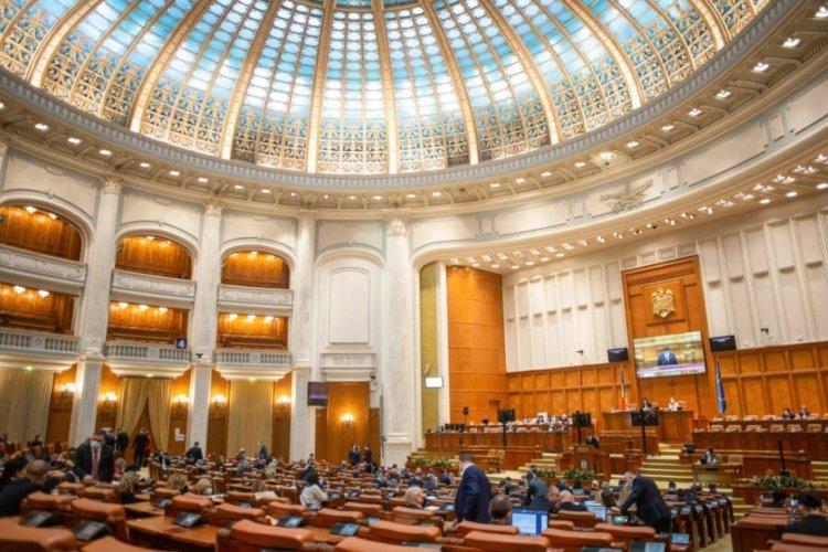 Președinții României considerați colaboratori ai Securității își pierd drepturile