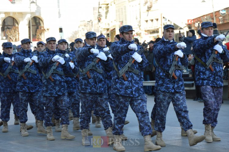 Noua strategie militară, aprobată de Guvern. Va fi reintrodus serviciul militar voluntar în termen