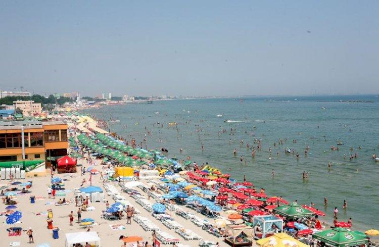 Peste 15.000 de români au ajuns pe litoral de Rusalii