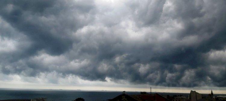 Cod galben de vânt puternic și ploi torențiale la Constanța