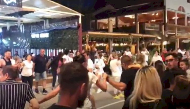 Horă în plină pandemie, în Piațeta Cazino. Oamenii legii suplimentează efectivele în stațiunea Mamaia