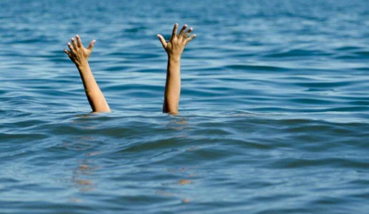 O minoră de 11 ani s-a aventurat în apele mării, în stațiunea Mamaia